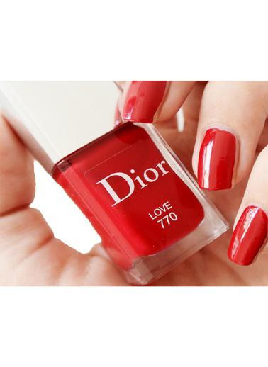 Dior Dior Vernis Nail Lacquer 770 Love Oje Kırmızı